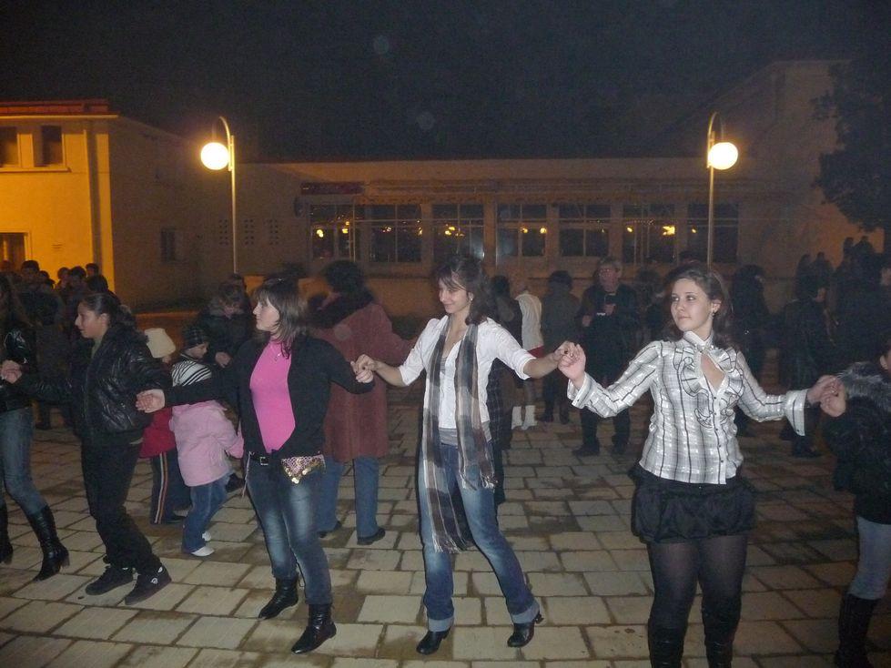 Посрещане на Новата 2010 година на площада в Сливница