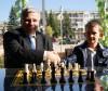 Шахматен сеанс на ГМ Кирил Георгиев в Сливница (2011) - 1 загуба, 4 равни и 25 победи