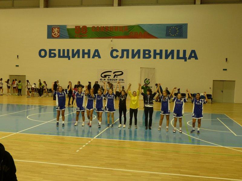 Хандбалистките от Сливница след 2-рата си победа в турнира
